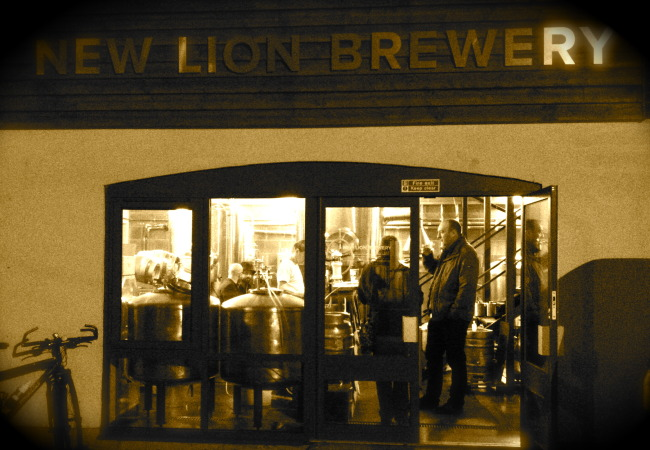 Transition Tours start again for 2015 – and ends with a growler at the New Lion Brewery pop-up pub